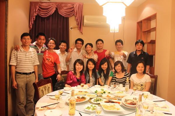2010年6月13日老乡相聚老乡餐厅粤龙阁.jpg